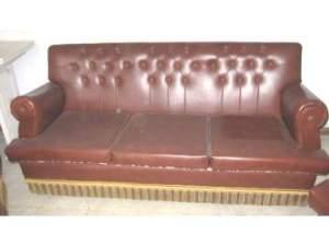 Un sofá de escay